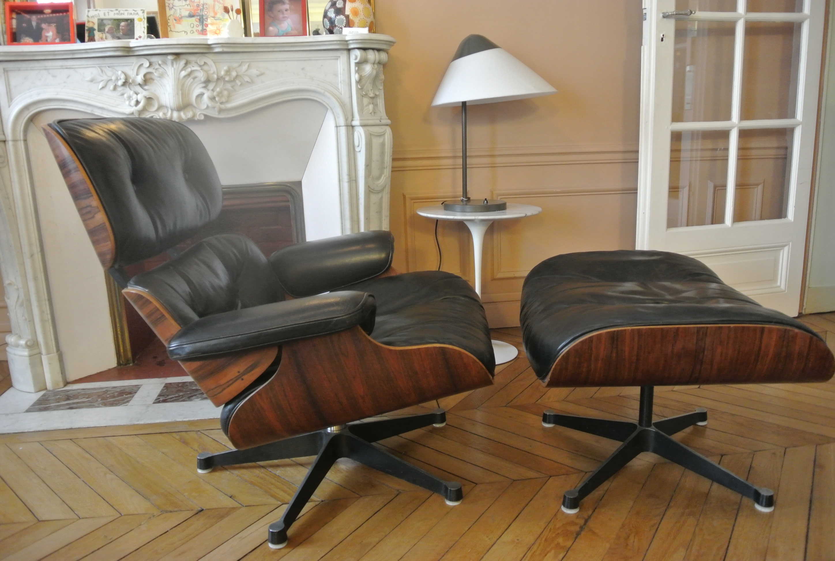 fauteuil eames ottoman. Black Bedroom Furniture Sets. Home Design Ideas