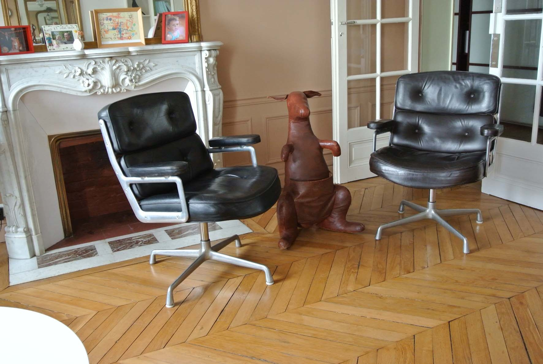 fauteuils eames lobby chair herman miller l 39 atelier 50 boutique vintage achat et vente. Black Bedroom Furniture Sets. Home Design Ideas