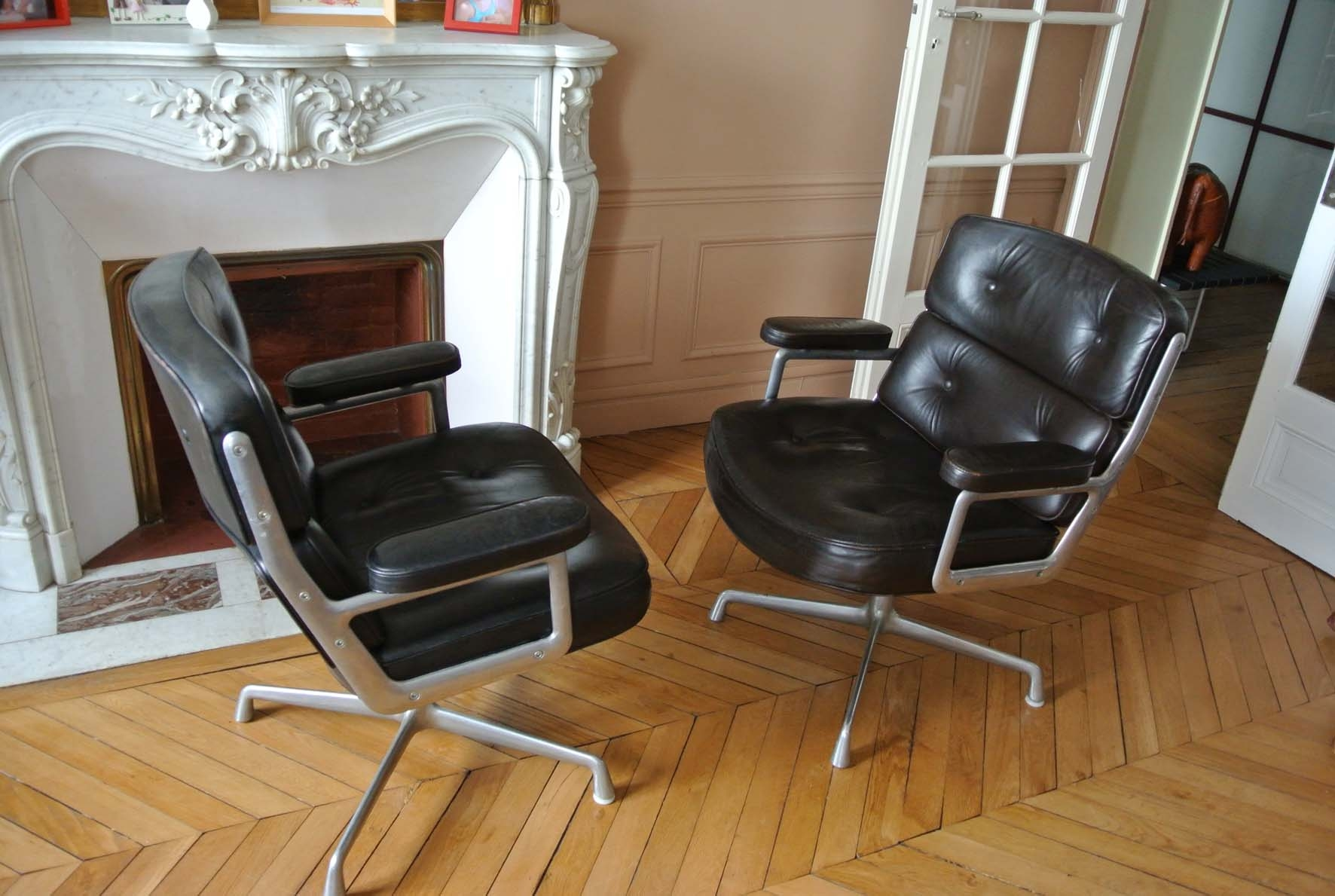 Fauteuils eames lobby chair herman miller l 39 atelier 50 for Mobilier international eames