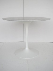 Table Saarinen édition Knoll
