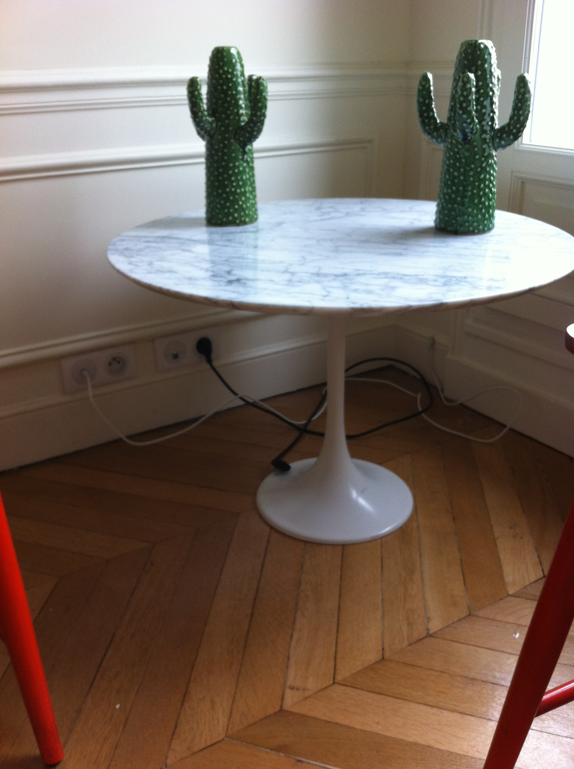 Table basse saarinen knoll l 39 atelier 50 boutique for Table basse tulipe