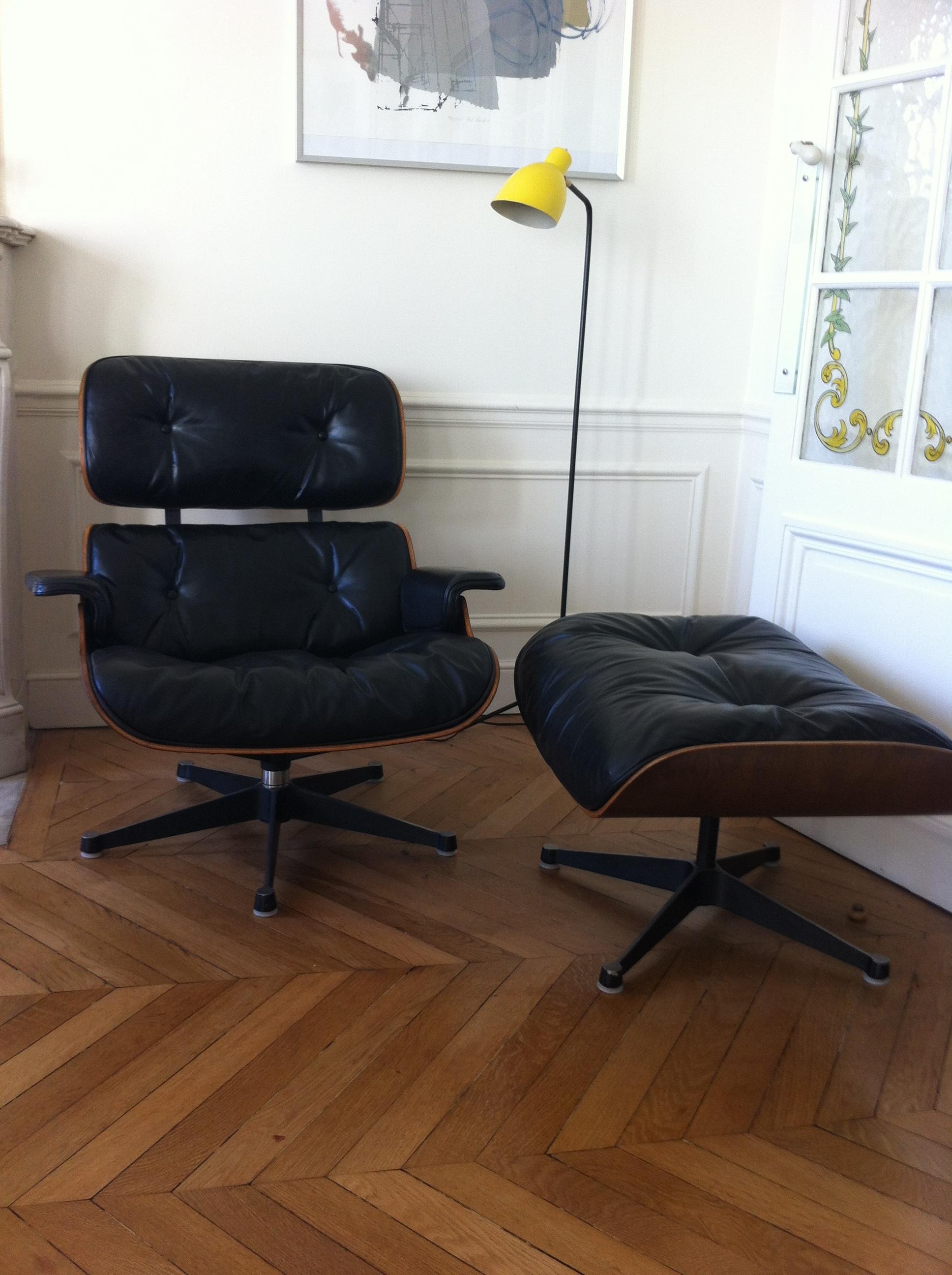 Fauteuil lounge chair eames dition herman miller l for Fauteuil bois eames