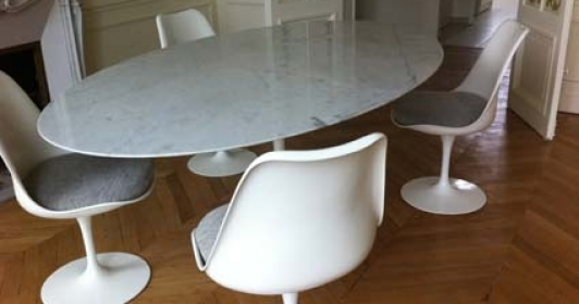 Trendy vendu table tulip ovale saarinen dition knoll with for Table basse tulipe