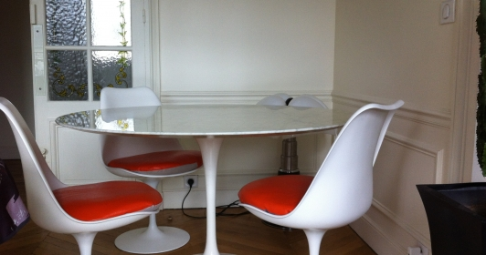 Table tulipe Saarinen Knoll international