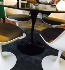 Table Tulip Saarinen marbre noir
