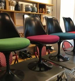 Série de 4 chaises Tulip noires Saarinen édition Knoll