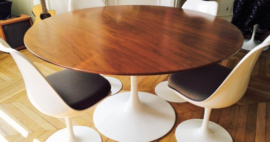 Table tulipe Saarinen de Knoll en noyer