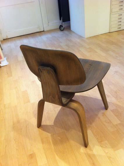 2 chaises Eames DCW pour Herman Miller
