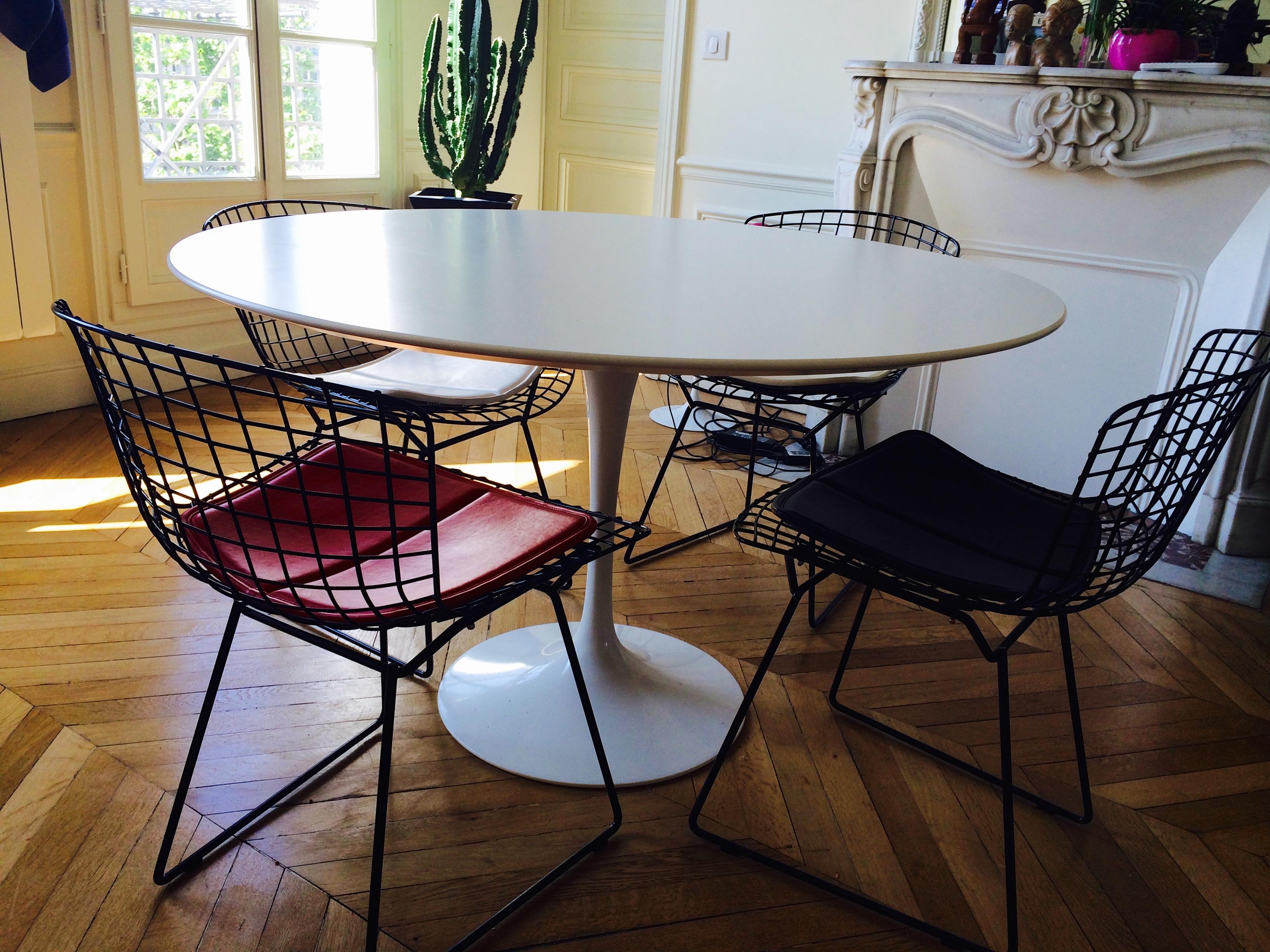 Table ovale Saarinen édition Knoll  LAtelier 50  Boutique vintage  ac