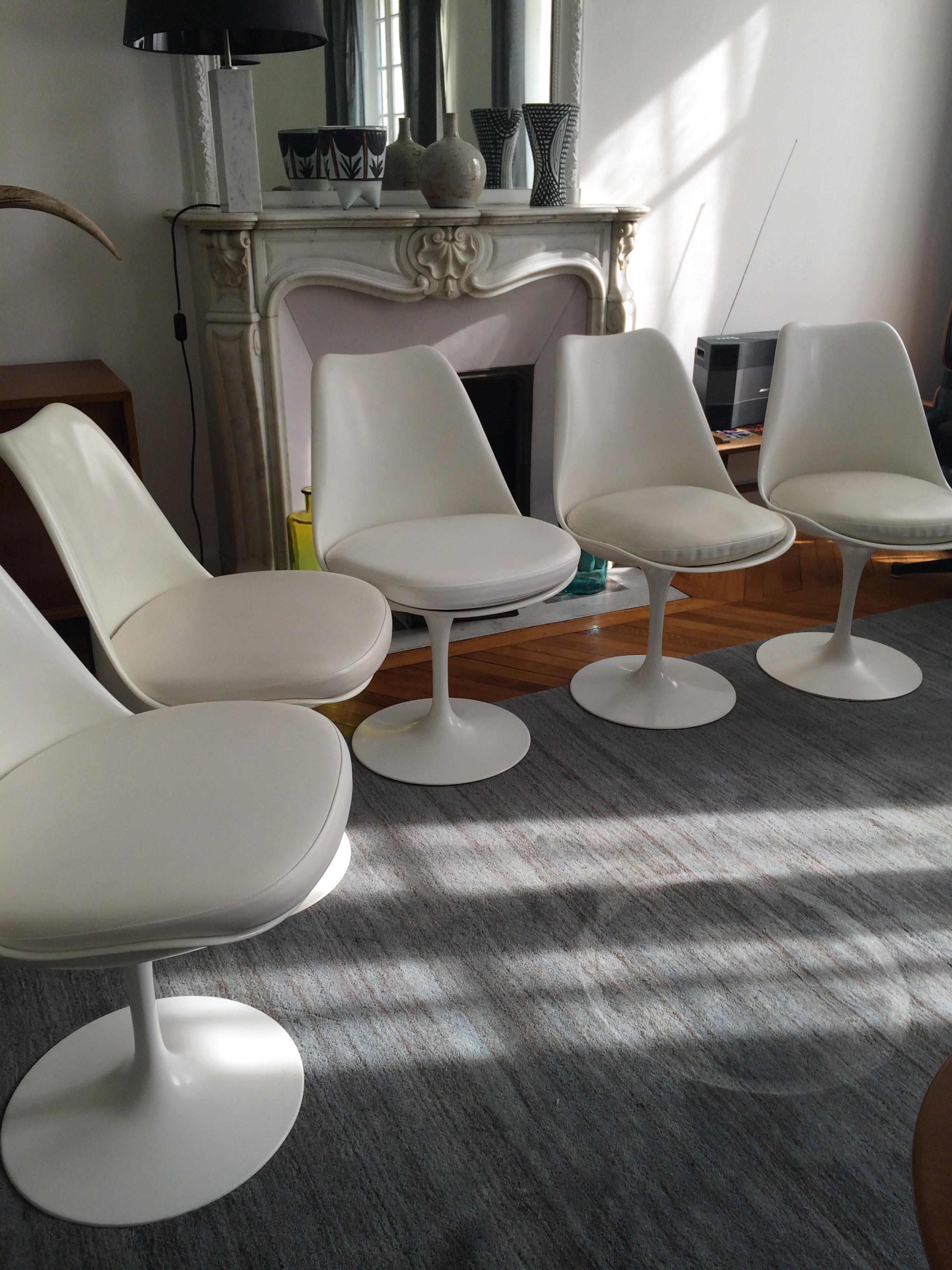 authentiques chaises tulipe saarinen dition knoll l. Black Bedroom Furniture Sets. Home Design Ideas