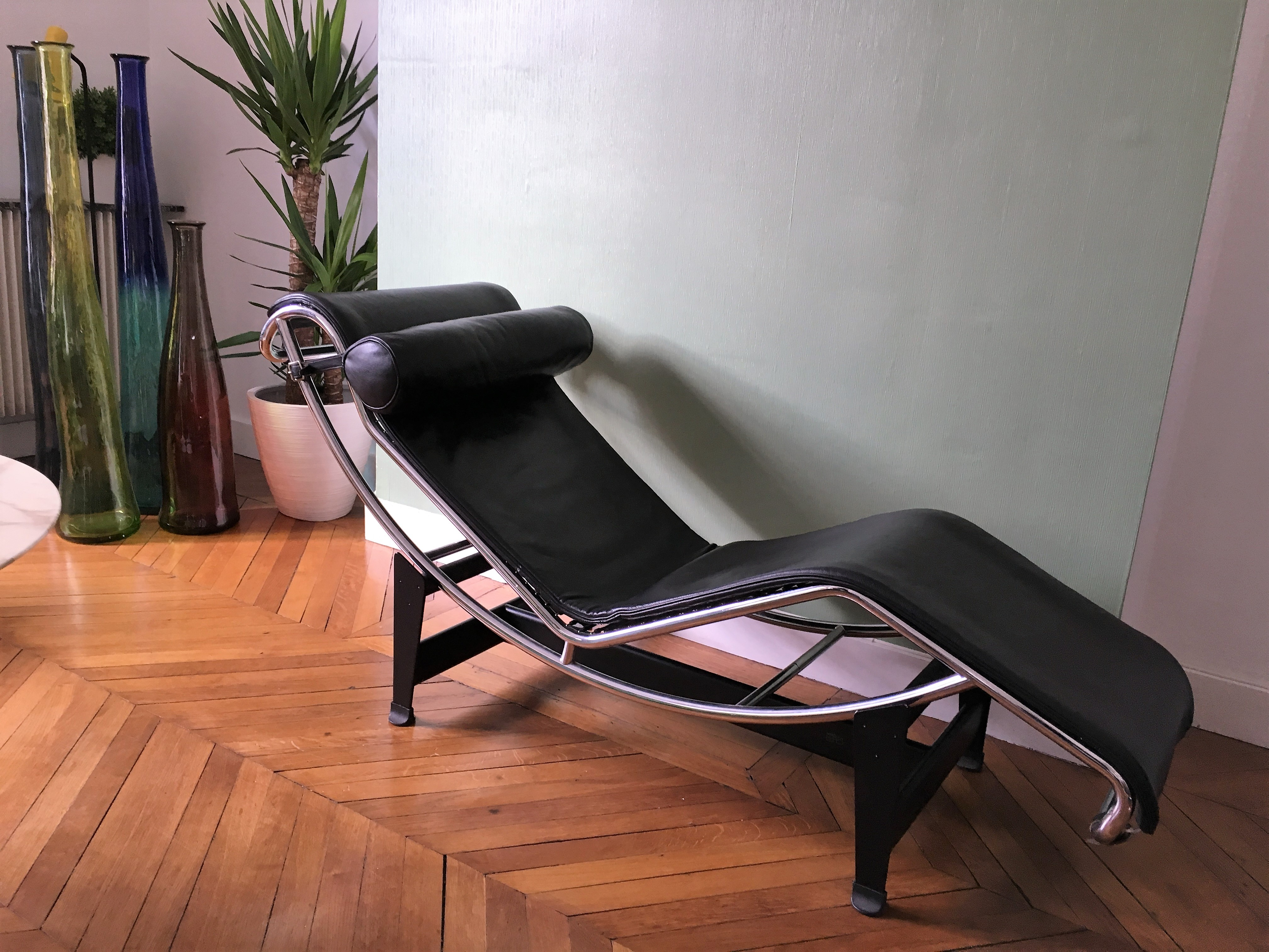Chaise LC 4 de Le Corbusier édition Cassina